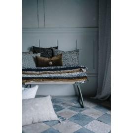 Édredon bout de lit ou sofa cover en velours beige